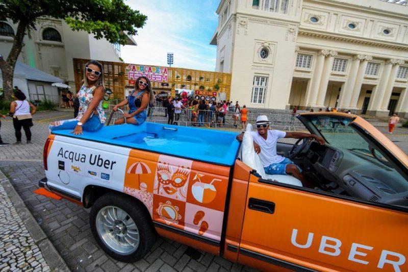 Sumérgete en el nuevo Acqua Uber, un transporte privado con piscina DT7KOEDX4AEKLOv