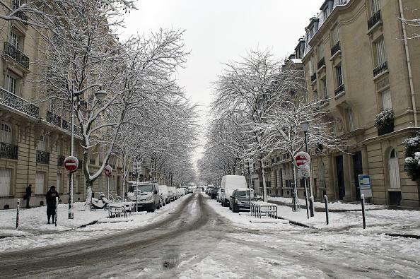 No es tan divertido como parece: nevadas siembran caos en París 915337682