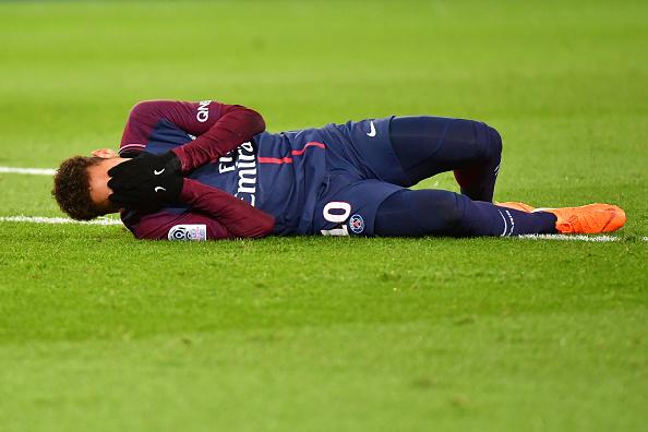 El tobillo de Neymar amenaza con torcer la temporada del PSG 924287332