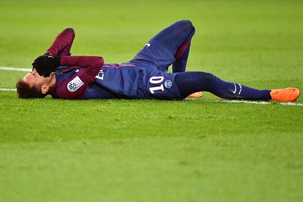 Neymar estará de baja, Neymar