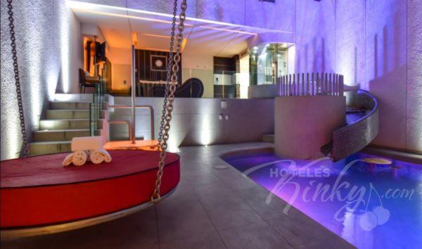 ¿Noche de...pasión? Estas son las habitaciones más exóticas y románticas de moteles para San Valentín newport-villas-suites-presidencial-6-600x354