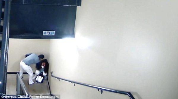 Revelan un video de beisbolista golpeando a su novia y esto es lo que ella decidió hacer 4A3087AF00000578-5500795-image-a-55_1521045649833-600x335