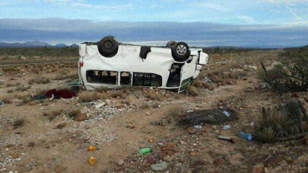 Se accidenta caravana de Marichuy dejando a un muerto camioneta_marichuy-1.jpg_1348255499-600x337