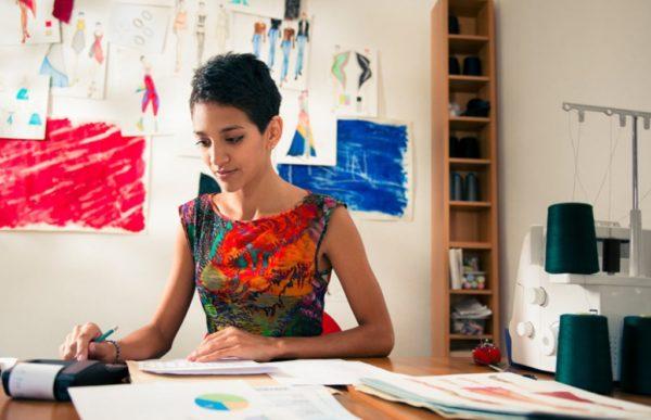 4 cosas que puedes hacer en vez de felicitar a una mujer en el Día de la Mujer (recomendado por una mujer) emprendedora-mexicana-600x387
