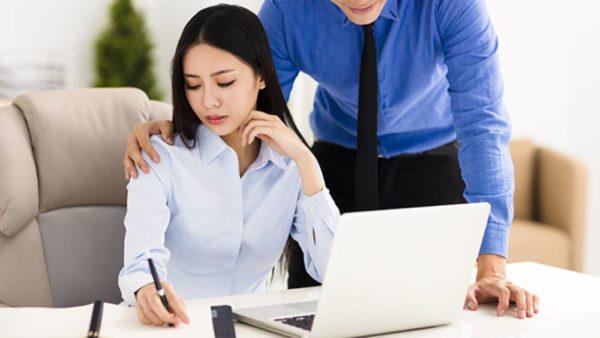 4 cosas que puedes hacer en vez de felicitar a una mujer en el Día de la Mujer (recomendado por una mujer) mobbing-600x338