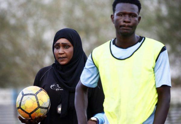La primera entrenadora de futbol en Sudán hace historia 000_10C2MS-600x413