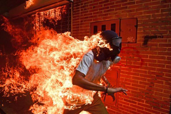 """Crisis en Venezuela"" es la World Press Photo 2018 000_13X8BN-600x399"