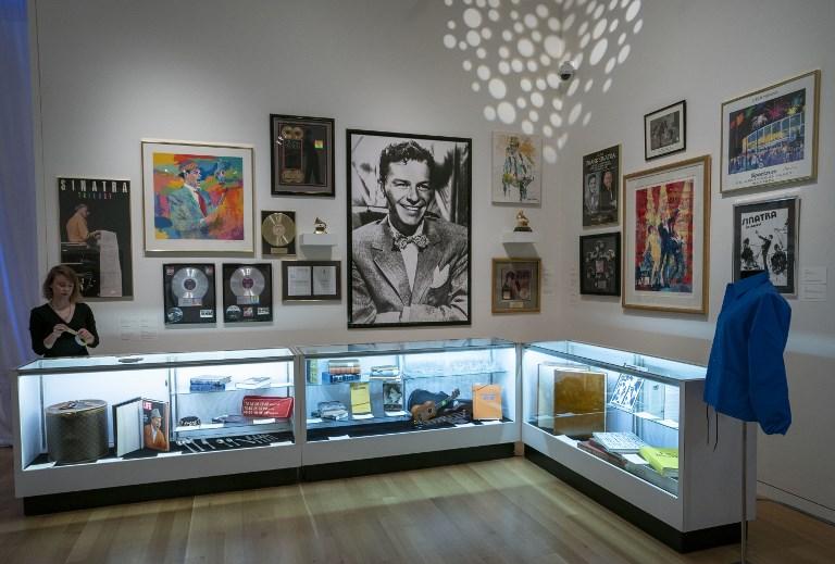 Subastan por millones de dólares arte y joyas de Frank Sinatra 000_1B89DY