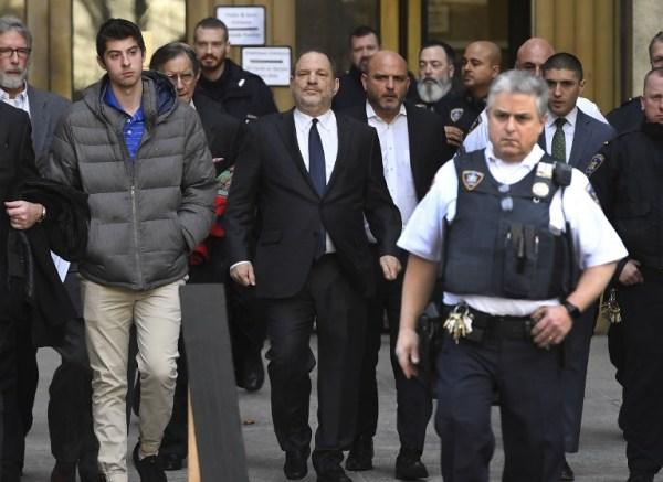 Juez niega anular cargos contra Harvey Weinstein e irá a juicio 000_1BQ82T-600x437
