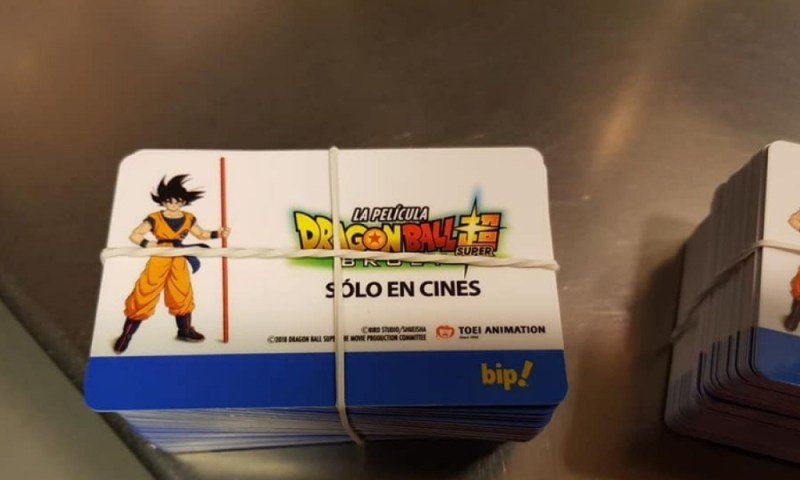 Tarjetas de 'Dragon Ball' llegaron al transporte público de Chile Tarjetas-de-Dragon-Ball-2