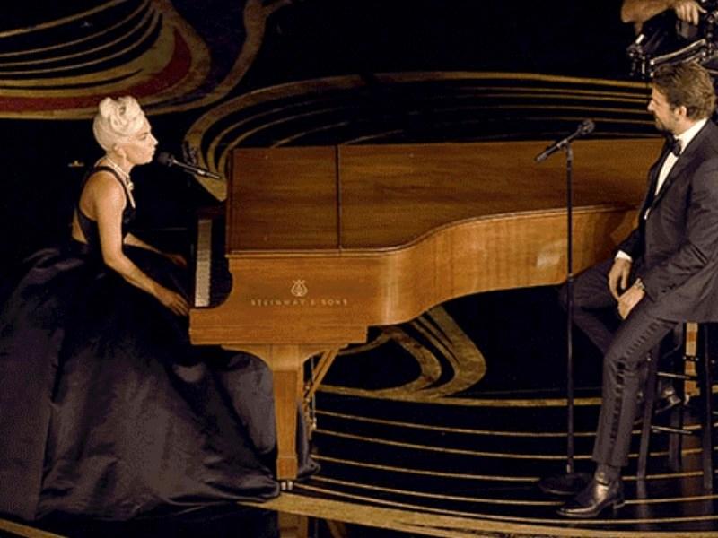 Lady Gaga y Bradley Cooper en los Oscar (1)