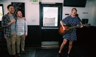 Taylor Swift cantó a una pareja