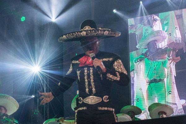 Pedro Fernández celebró con un concierto sus 40 años de trayectoria DSC_0904-600x400