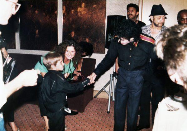 Estos fueron los niños que denunciaron a Michael Jackson por abuso Dejando-Neverland-600x423