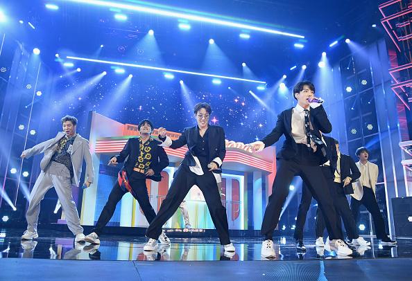 'A Brand New Day', la nueva canción de BTS con Zara Larsson gettyimages-1140667214-594x594