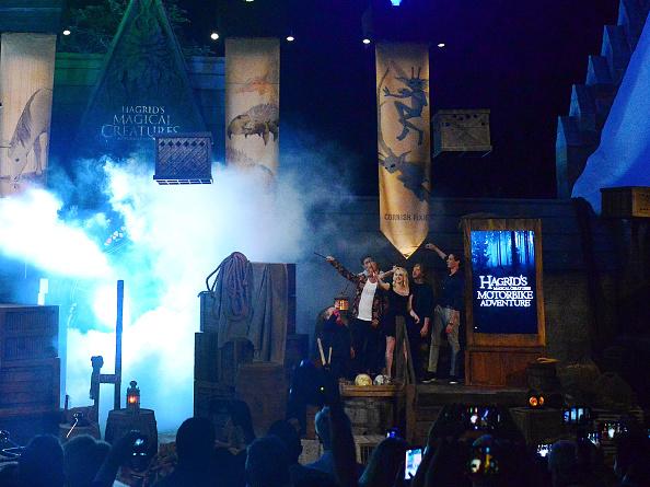 Actores de 'Harry Potter' se reunieron para inaugurar una nueva atracción gettyimages-1155356084-594x594