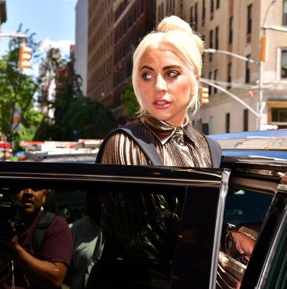 """Lady Gaga lanzó un nuevo proyecto que contradice su """"lema de vida"""" gettyimages-1153136974-594x594"""