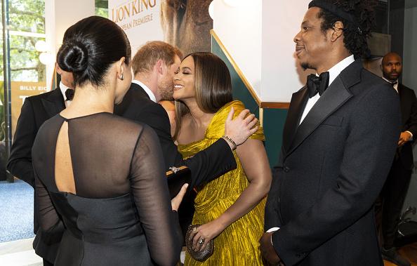 Este consejo le dio Beyoncé a Meghan Markle en la alfombra roja de 'The Lion King' gettyimages-1155577038-594x594