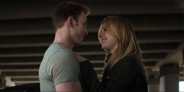 ¿Qué opina Peggy Carter de que Captain America besó a su sobrina? Steve-x-Sharon-600x300