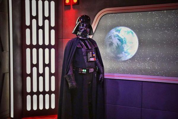 Disney por fin habló del fracaso que está siendo el nuevo parque de diversiones de 'Star Wars' disneyland_29415977_445587439203241_7303288314264551424_n-600x400