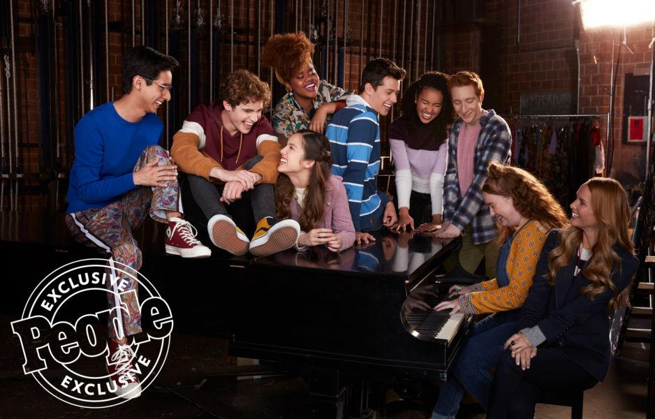 ¿Troy y Gabriella? Así se ven los protagonistas de la nueva serie de 'High School Musical' high-school-musical-2