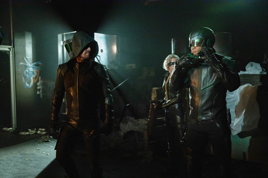Las fotos de la última temporada de 'Arrow' trae el regreso de difuntos personajes Arrow-Final-Season-04