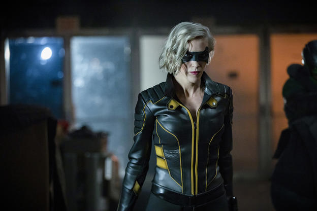 Las fotos de la última temporada de 'Arrow' trae el regreso de difuntos personajes Arrow-Final-Season-08
