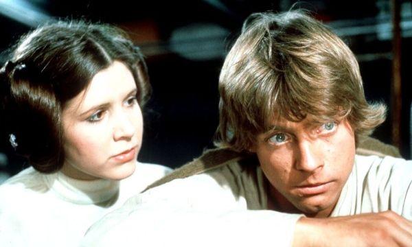 Dos personajes emblemáticos aparecerán en 'Star Wars: The Rise of Skywalker' Luke-y-Leia-aparecen-en-The-Rise-of-Skywalker-600x360