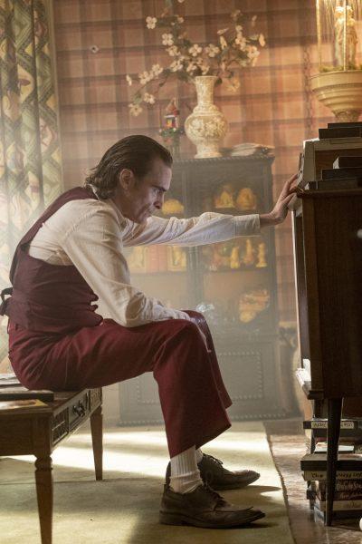 Nuevas fotos de 'Joker' revelan si habrá o no cameo de Jack Nicholson joker-joaquin-phoenix-arthur-fleck-400x600