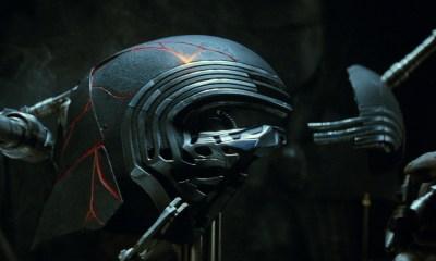 Razón por la que Kylo Ren reparó su casco