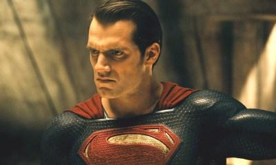 Zack Snyder reveló a Superman con el traje negro