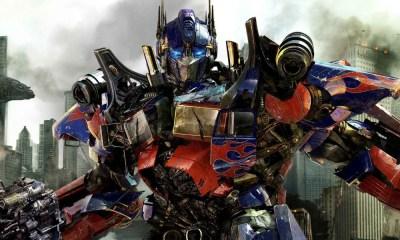 Escritores de la nueva película de 'Transformers'