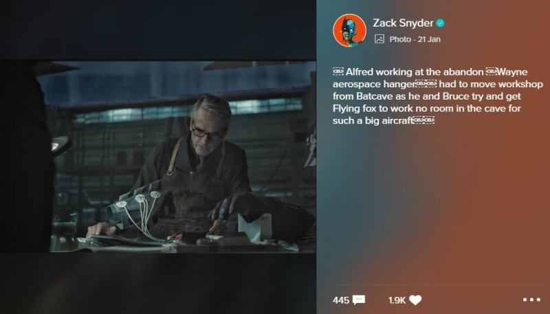 Revelan nueva imagen de Alfred en el Snyder Cut de 'Justice League' zack-snyder-shared-a-photo-on-vero-1203932