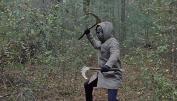 Un personaje de la tercera temporada de 'The Walking Dead' podría ser el hombre enmascarado misterioso-enmascarado-walking-dead-10x16-1917725-600x345