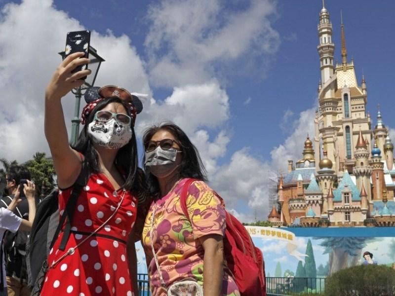 Disneyland de Hong Kong cerrará por rebrote