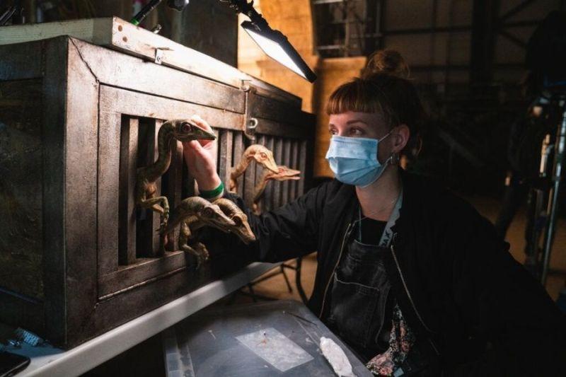 ¡Chris Pratt regresó! Revelan nuevas fotos de 'Jurassic World: Dominion' jurassic-world-dominion-behind-the-scenes-dinosaurs-1233103