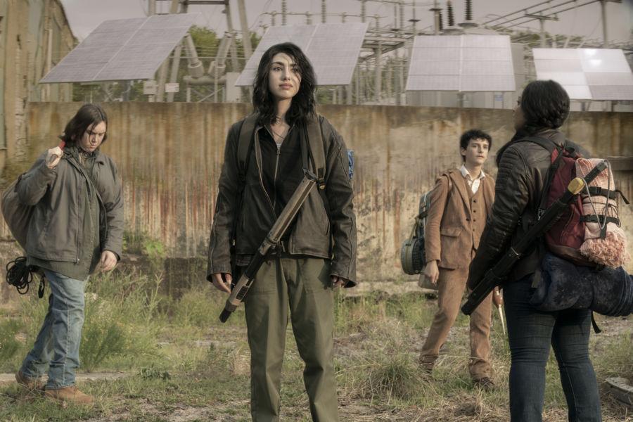 ¡Sólo miembros de CRM! Revelan nuevas imágenes de 'The Walking Dead: World Beyond' twdwb_100_ss_0801_1137_rt