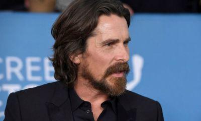 Christian Bale llegando a Australia para grabar Thor