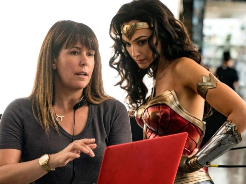 Patty Jenkins planea dos historias más de Wonder Woman