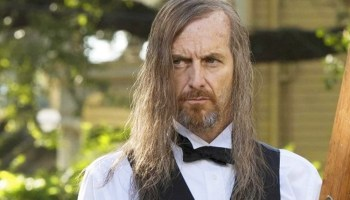Denis OHare en American Horror Story: Double Feature