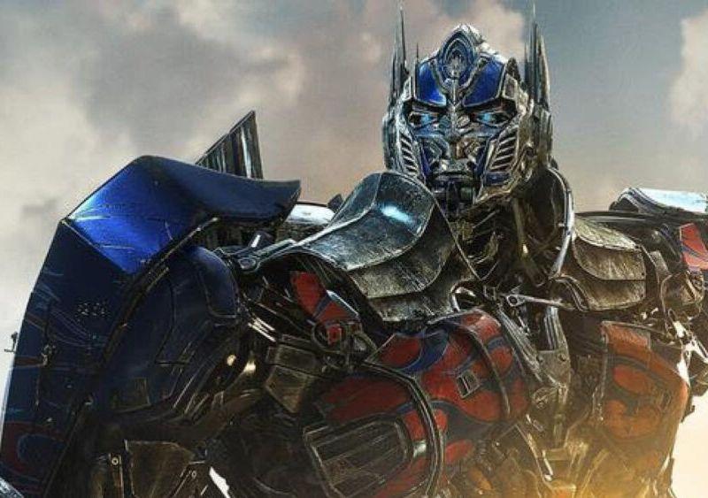 video de Optimus Prime en 'Transformers Rise of the Beasts'