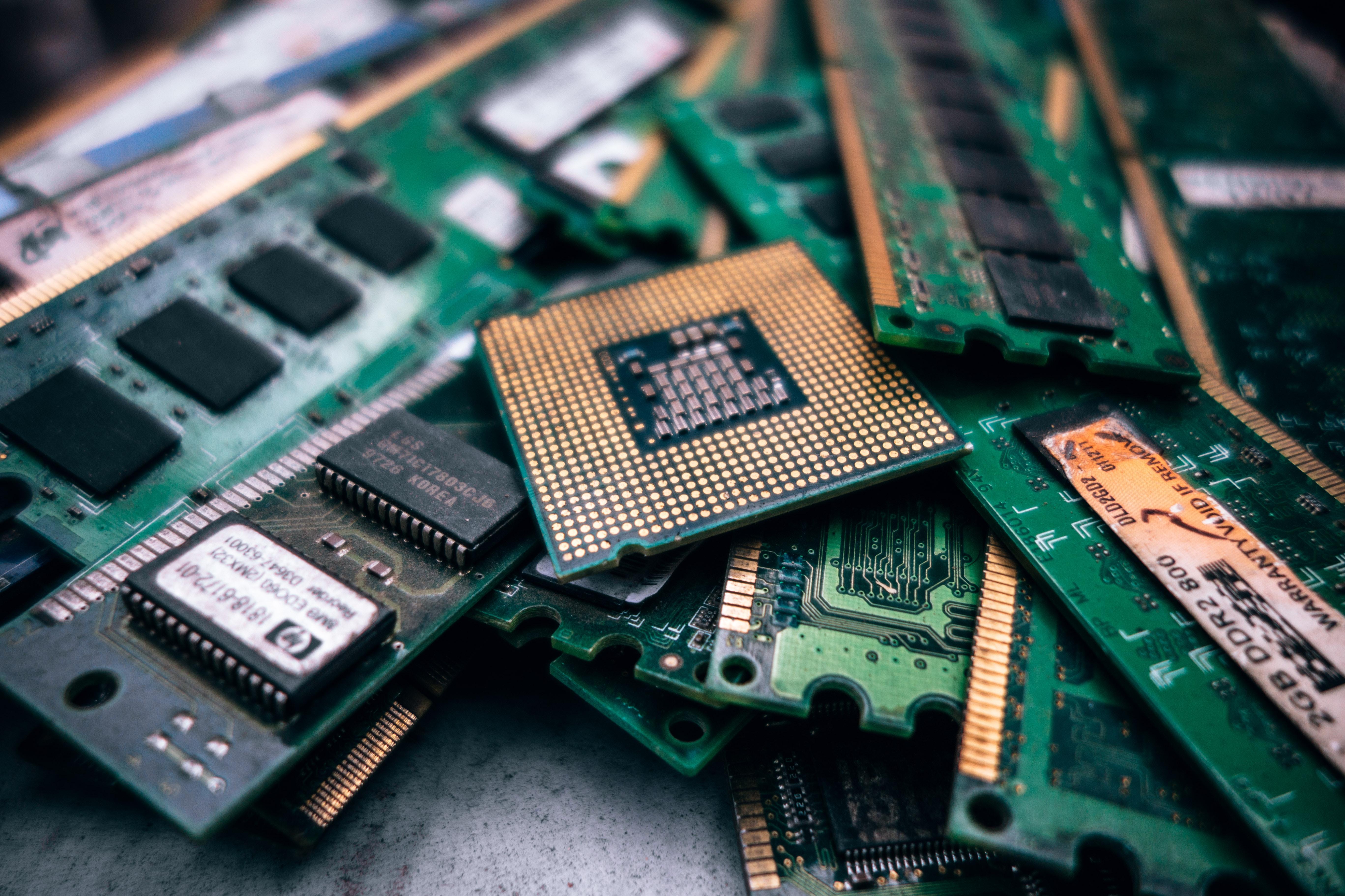 Datenschutz-Grundverordnung und Selbsthilfe, Auf dem Foto sind Speichermedien abgebildet