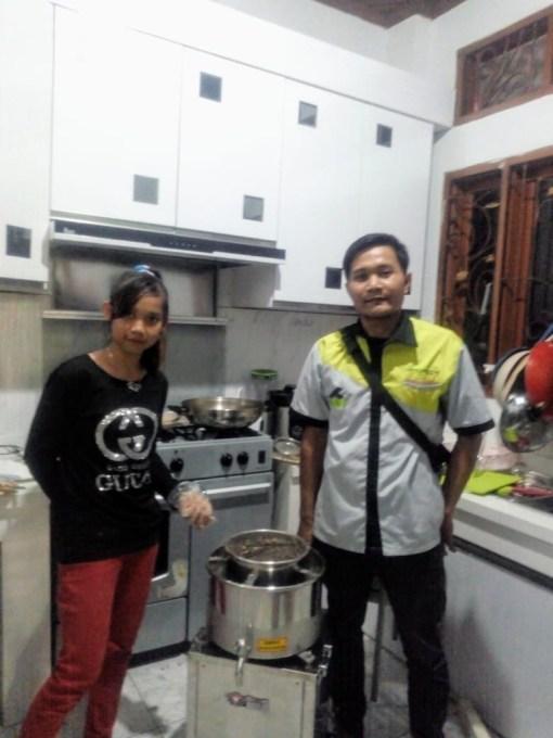 1. Ibu Etti - GoUKM Cimahi - Meat Mixer MMX-R18 - 10 Juli 2019 - DONE