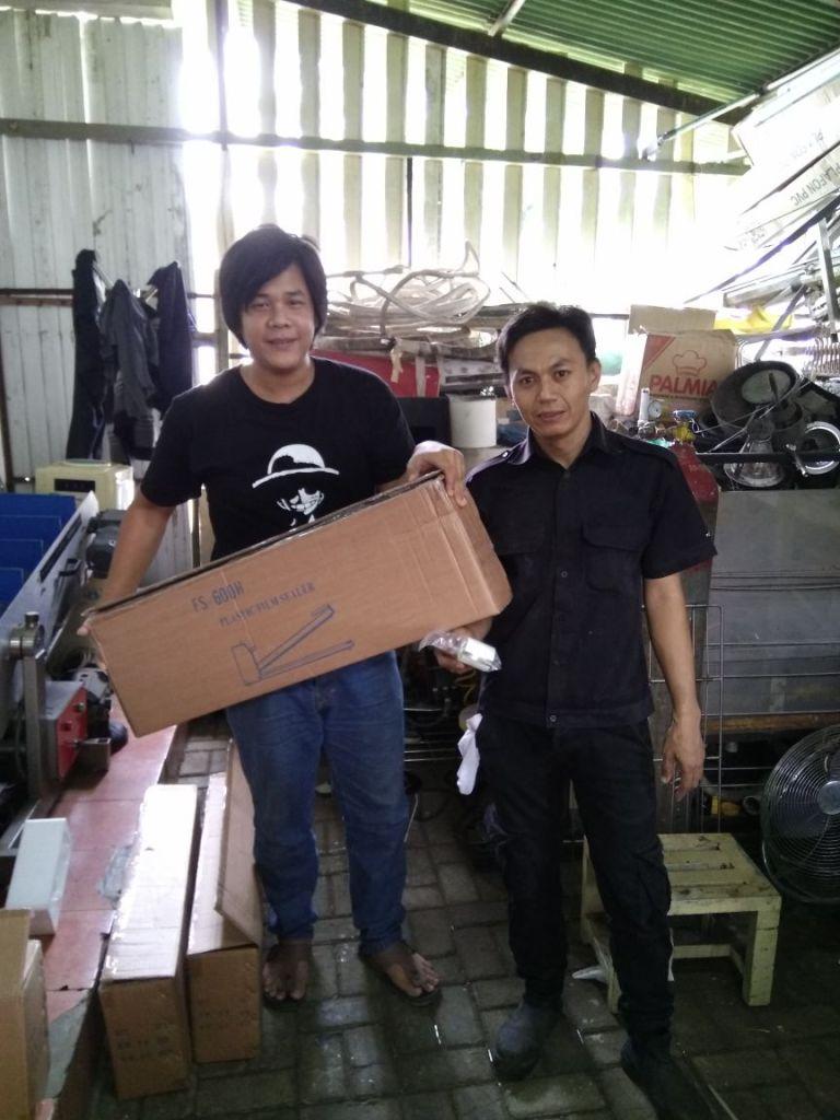 PT. Sriboga Bakeries Integrasi, Sentul, Hand Sealer
