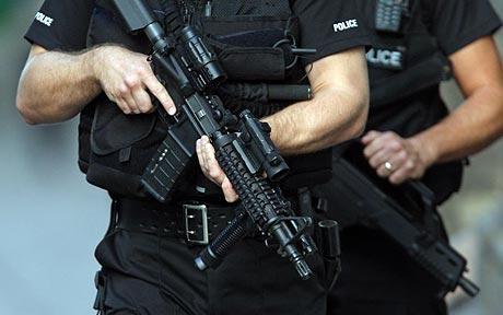 armedPolice_1507659c