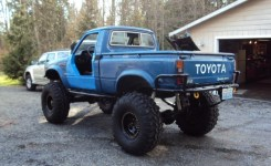 Get 1982 Toyota Pickup Dom Pipe Bumpers – Pirate4X4 : 4X4 And Off Gallery Images