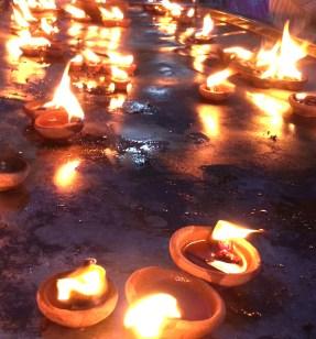 Lightening lights in the Kapaleeswarar Temple