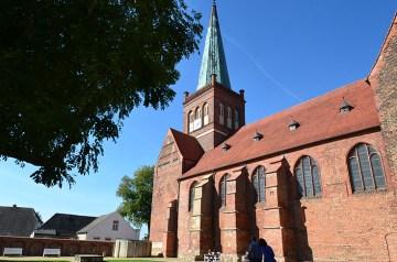 """""""Im Kirchenschiff durch die Welt der Musik"""""""