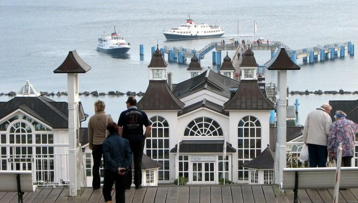 Das Wahrzeichen Rügens für mondänes Badeleben lädt zu entspanntem Flanieren
