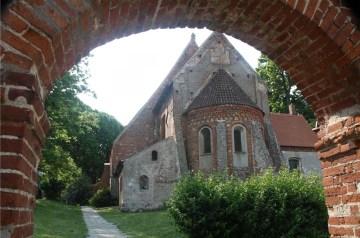 Erlebte Geschichte in Altenkirchen: Pfarrkirche erzählt von heidnischer und christlicher Geschichte
